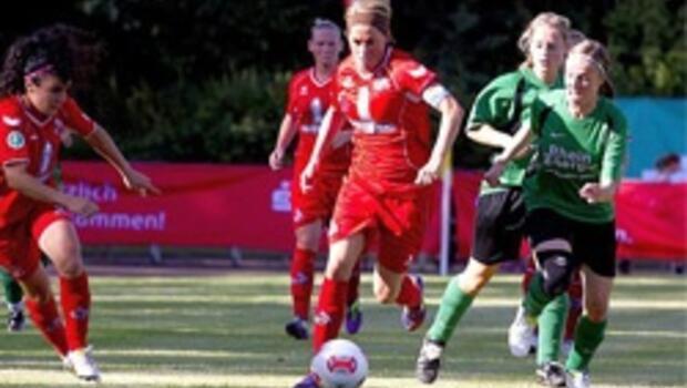 Bilgin Defterli'nin takımı Köln namağlup lider