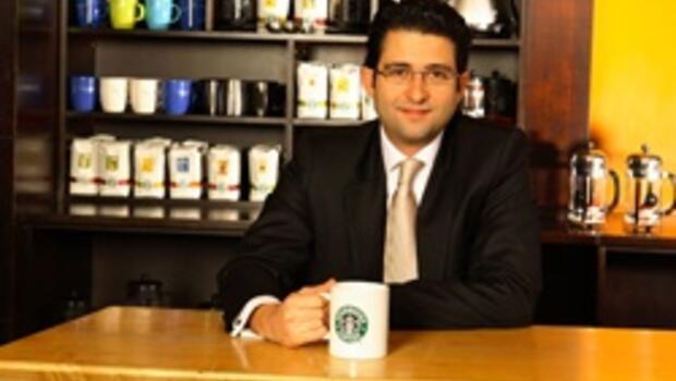 Starbucks'ın genel müdürlüğünü bıraktı, Actera'ya geçti
