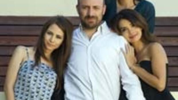 Bir erkek üç kadın
