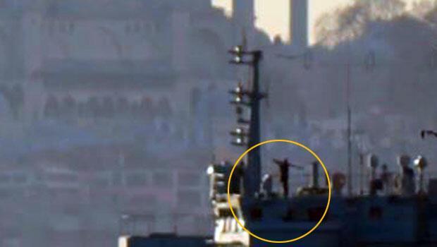 İstanbul Boğazı'nı geçen Rus savaş gemisinde 'füzeli asker'
