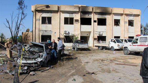 Polis okuluna saldırı 60 ölü
