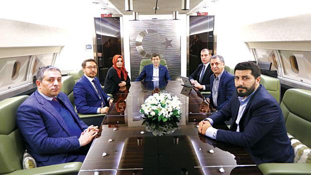 Başbakan Davutoğlu: Hakkari ile Şırnak şehir merkezleri Yüksekova ve Cizre'ye kaydırılacak