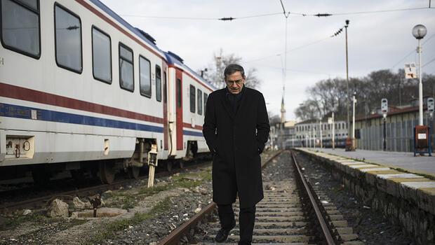Orhan Pamuk: Bizi terk eden bir babayla büyüdüm