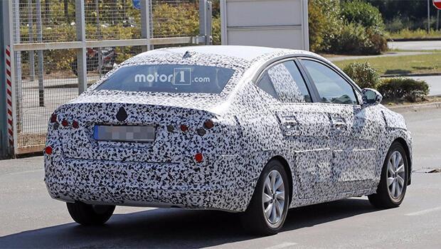 Yeni Opel Corsa Sedanın casus fotoğrafları