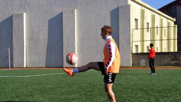 Zonguldaklı kadın futbolcu Siirte transfer oldu