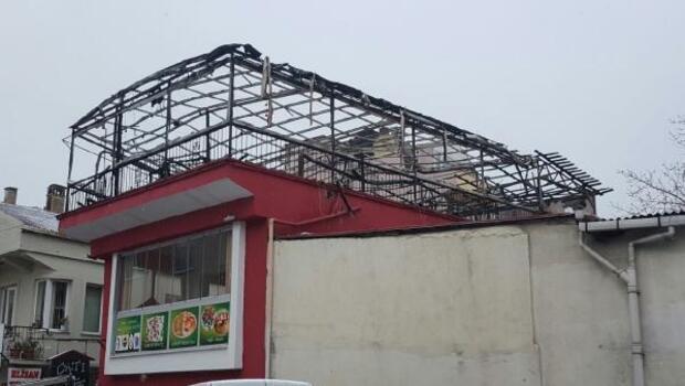 Sinopta kafe çatısında korkutan yangın