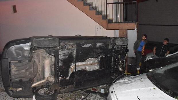Sinopta park halindeki 4 araca çarpan otomobilin sürücüsü yaralandı