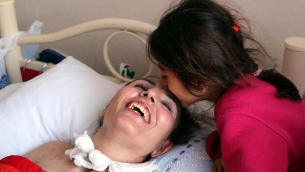 Gebelik zehirlenmesi geçiren 3 çocuk annesi yatalak kaldı