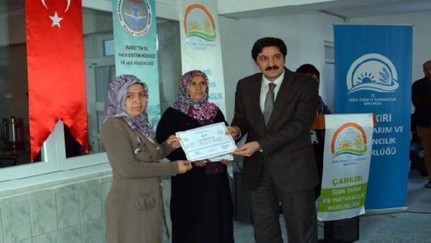 Çankırılı kadın çiftçiler sertifikalarını aldı