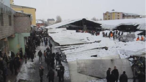 Ağrıda sebze pazarının çatısı kardan çöktü-/ fotoğraflar