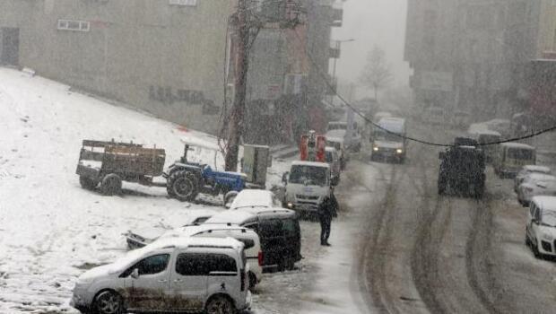 Şırnakta kar esareti: 2 il ile bağlantı yolu kapandı