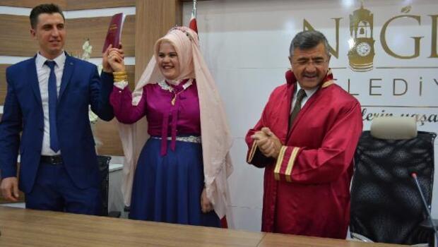 14 Şubatta nikahları Başkan kıydı