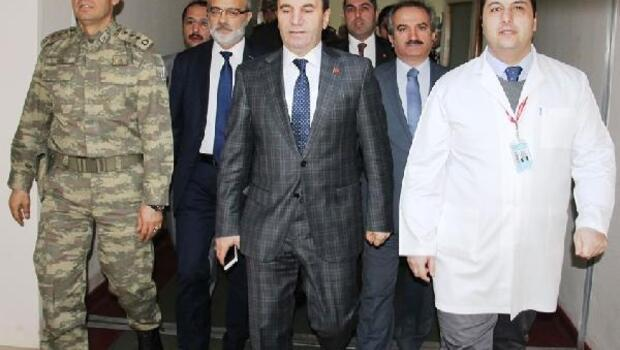 El-Babta yaralanan askeri, Amasya Valisi Işık ziyaret etti