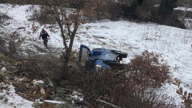 Jandarma aracı şarampole uçtu, 3 asker yaralandı