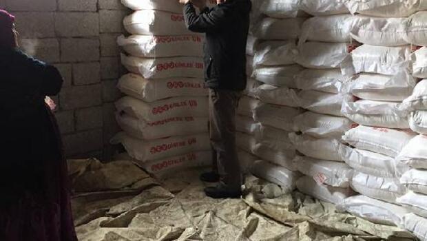 Şemdinlili iş adamı Celal Özelden ihtiyaç sahibi ailelere un yardımı