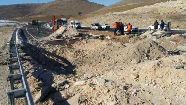 PKKnın Mardin-Diyarbakır karayolunda tuzakladığı 1 ton patlayıcı imha edildi