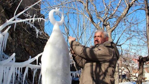 Buz sütunu ay yıldızlı süngü yaptı