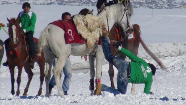 Karda cirit gösterisi heyecanı