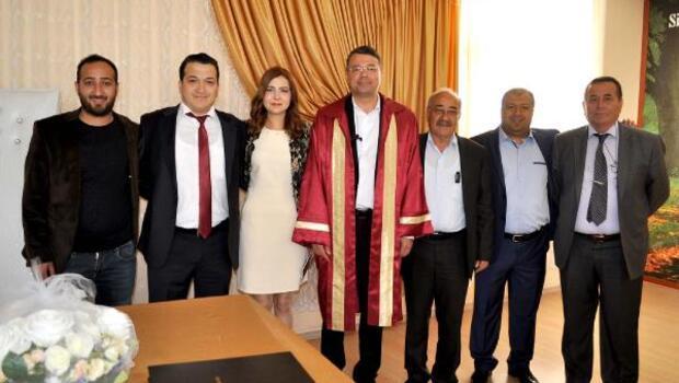 Başkan Turgutun nikah mesaisi