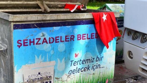 Türk bayraklarının çöpe atılmasına tepki