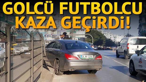 Antalyasporlu futbolcu kaza yaptı