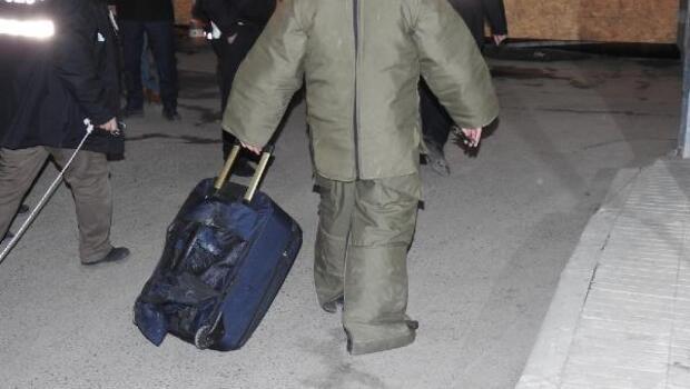 Şüpheli valiz, panik yarattı