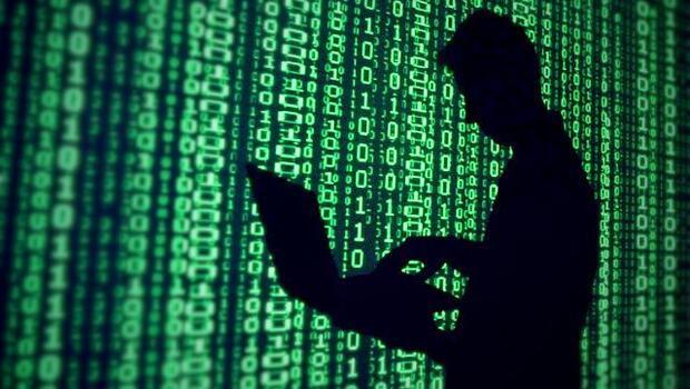Dünyanın aradığı hacker yakayı ele verdi