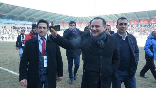 Erzurumspor Başkanı Demirhan: Ronaldinho olmak üzere dünya yıldızlarını transfer edeceğim