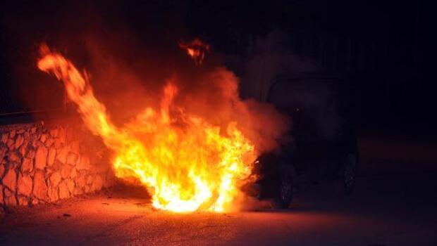 Tokatta seyir halindeyken alev alan otomobil yandı