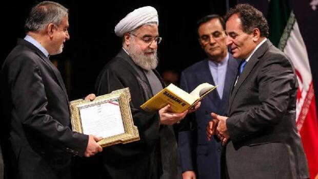 Prof. Dr. Yıldırımın Şahname çevirisi İranda yılın kitabı seçildi