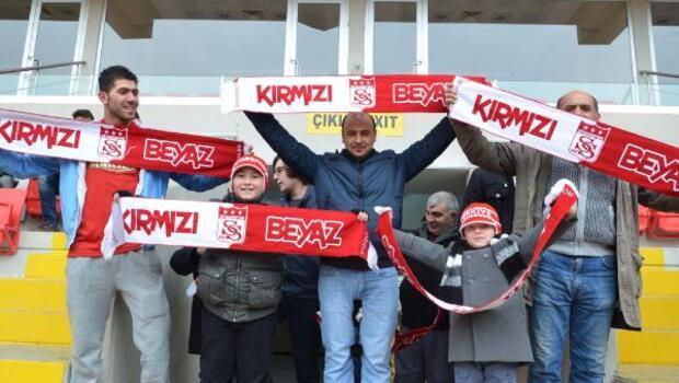 Valilikten Sivasspor taraftarına atkı