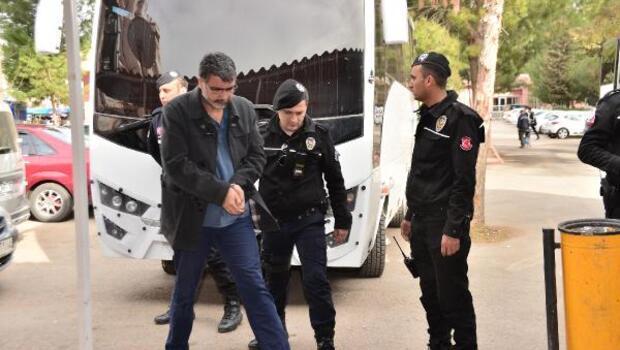 Adanada FETÖ şüphelisi 27 polis adliyede