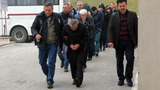 Sakaryada FETÖ soruşturmasında 2si müftü 20 kişi adliyeye sevk edildi