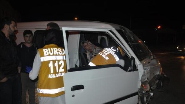 İnegölde kaza: 3 yaralı