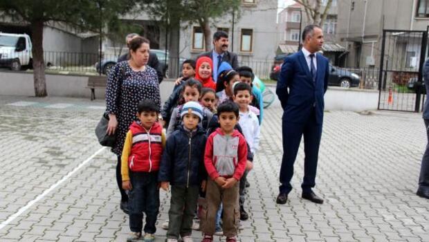 Biga'da Suriyeli çocuklara Türkçe eğitimi veriliyor