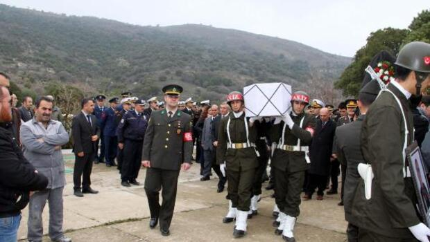 Rum asıllı Kore gazisi askeri törenle toprağa verildi