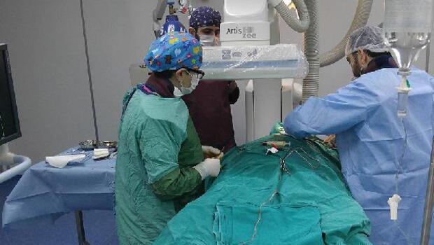 Sinopta ilk kez bir hastaya kalıcı kalp pili takıldı