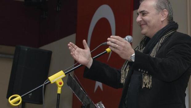 Sanatçı Aykut Kuşkaya, KMÜde konser verdi
