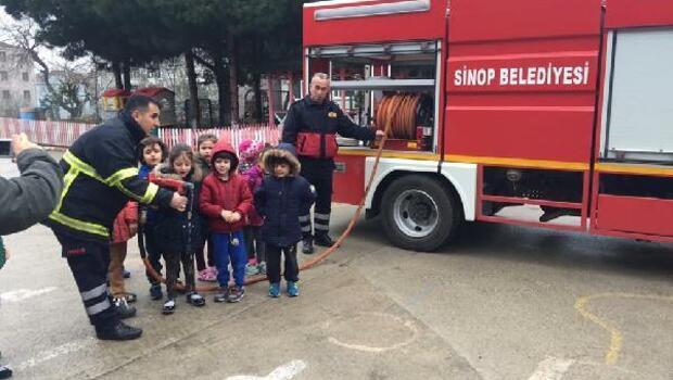 Sinop'ta anasınıfı öğrencilerine yangın tatbikatı