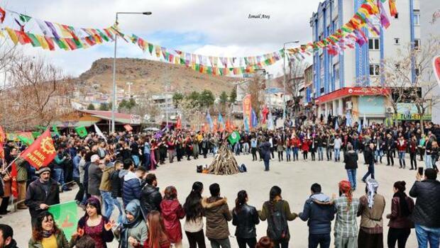 Tuncelide 2 ayrı Nevruz kutlaması yapıldı
