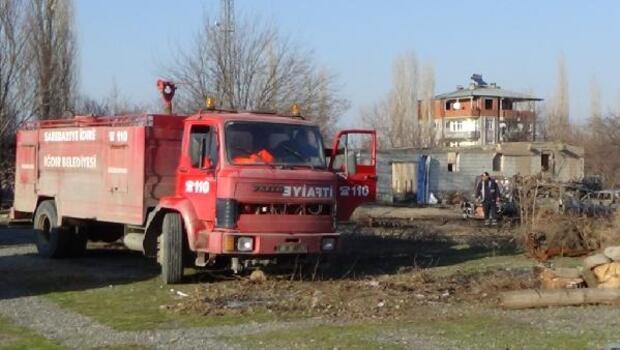 Hudut Alay Komutanlığı yakınında çıkan yangın korkuttu