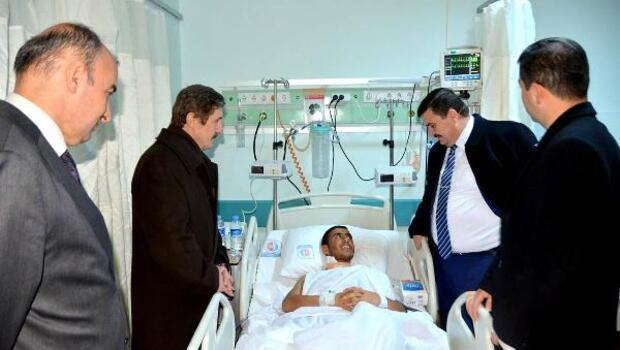 Vali Arslantaş'tan hastaları dinledi