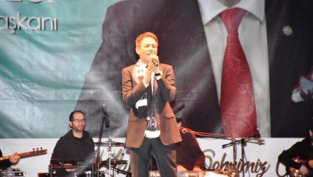 Mustafa Yıldızdoğan, Aksaray konserinde gençleri coşturdu