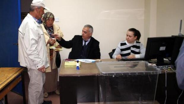 Zonguldak Havalimanında gurbetçiler oy kullandı