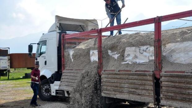 Kum yüklü TIRda 145 bin paket kaçak sigara