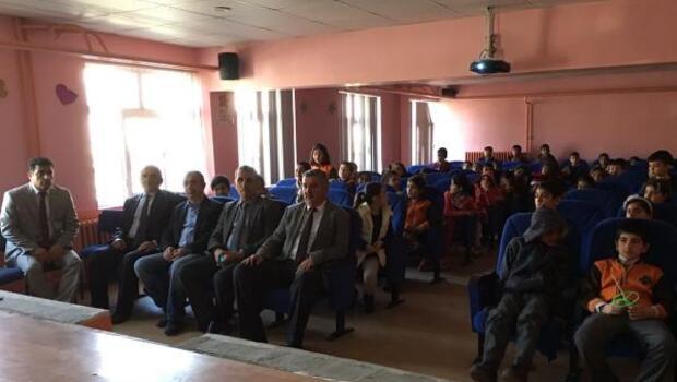 Adilcevaz'da öğrencilere trafik semineri
