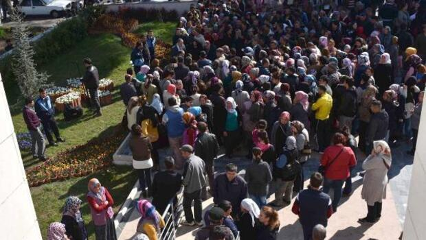 190 kişilik geçici iş için 1054 kişi sıraya girdi