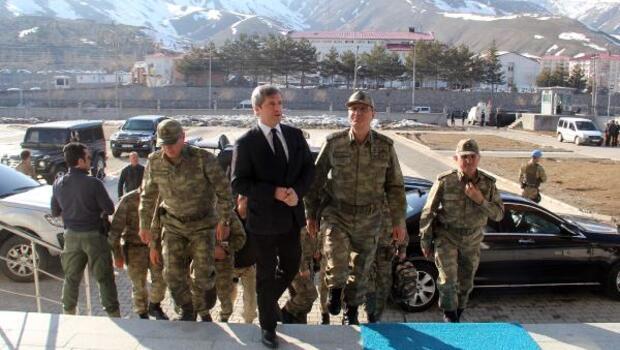Jandarma Genel Komutan Yardımcısı Korgeneral Yaşar, Bitlis Valisi Çınar'ı ziyaret etti