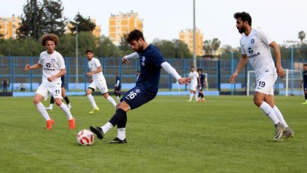 Adana Demirspor U21 ile taktik çalıştı