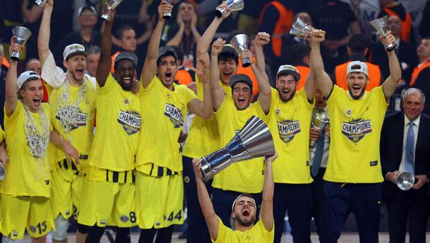 Euroleague heykeli dikiliyor